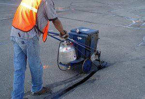 filling cracks in asphalt